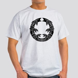 daki take sasa Light T-Shirt