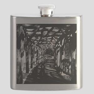 Tunnel Halftone Flask