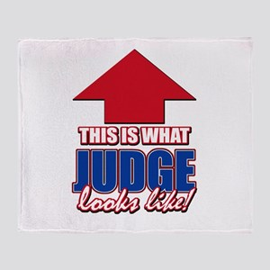 This is what Judge looks like Throw Blanket
