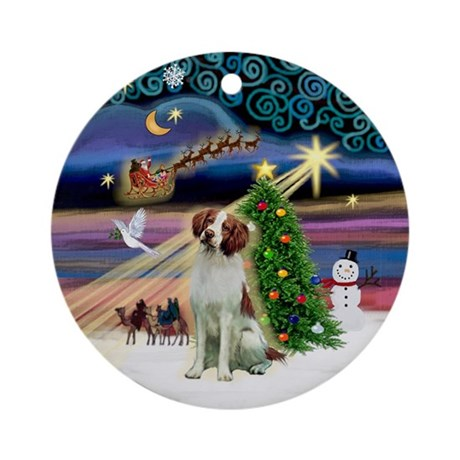 Xmas Magic-Brittany Spaniel Ornament (Round)