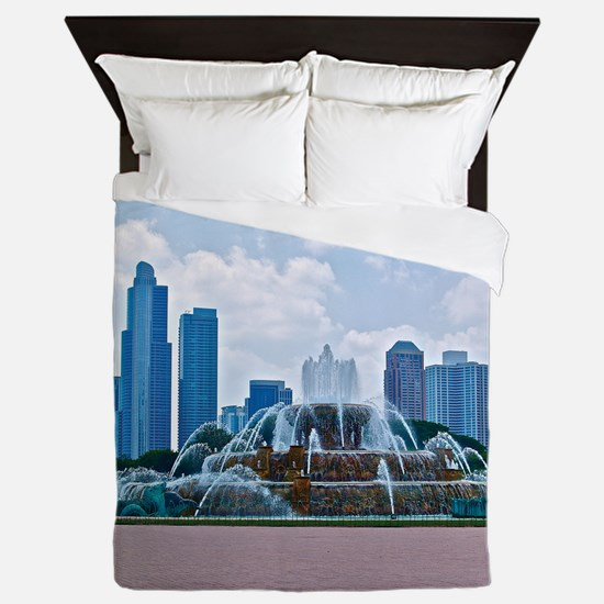 Fountain in Grant Park Chicago Queen Duvet