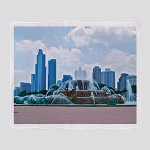 Fountain in Grant Park Chicago Throw Blanket