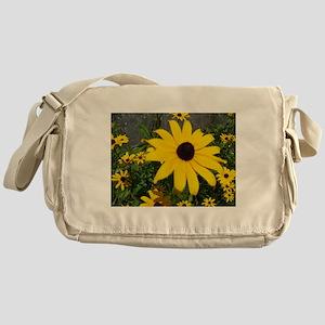 BLACK-EYED SUSAN™ Messenger Bag