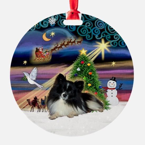 Xmas Magic Parti Pom (BW) Ornament (Round)