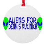aliensfordenniskucinich.png Round Ornament