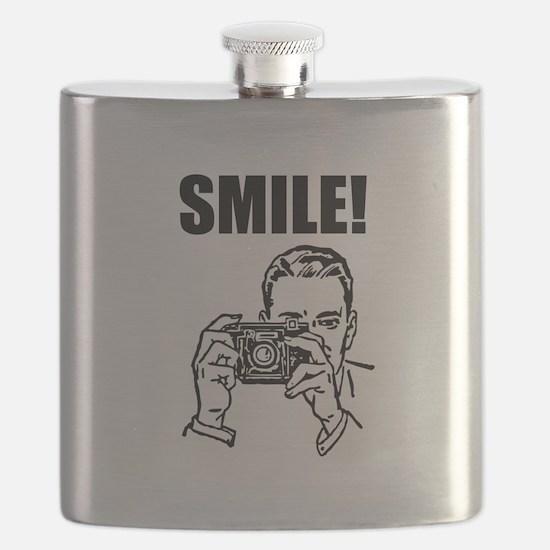 Vintage Smile Camera Man Black.png Flask