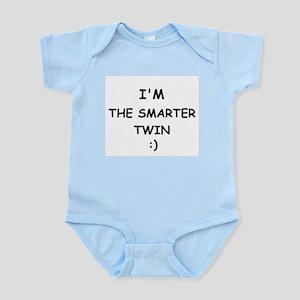 I'M THE SMARTER TWIN Infant Creeper
