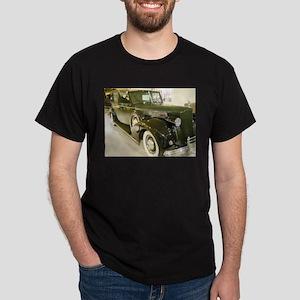 1939 Packard Car T-Shirt