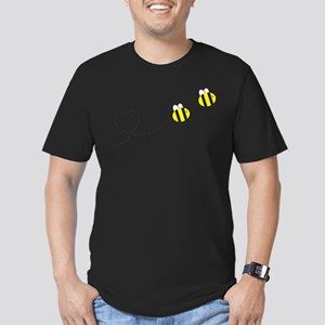 Bee in Love Men's Fitted T-Shirt (dark)