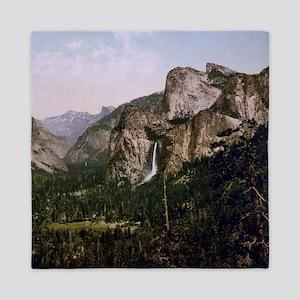 Vintage Yosemite Waterfall Queen Duvet