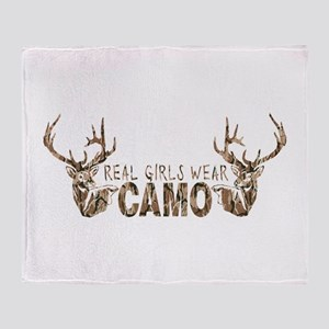 REAL GIRLS WEAR CAMO Throw Blanket