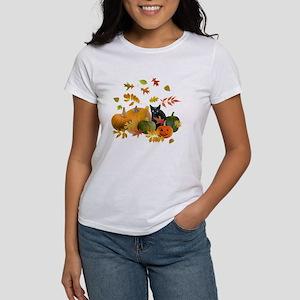Black Cat Pumpkins Women's T-Shirt