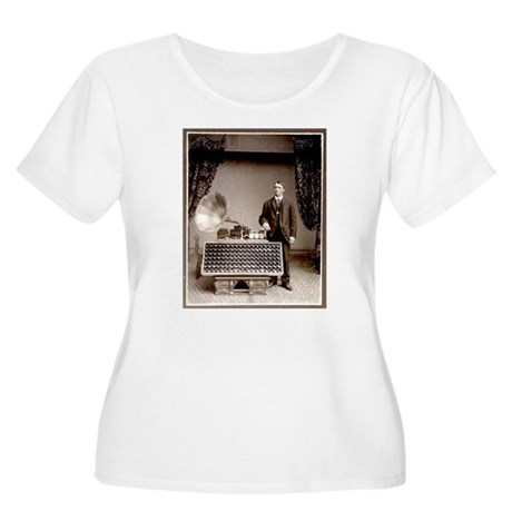 The Phonograph Women's Plus Size Scoop Neck T-Shir