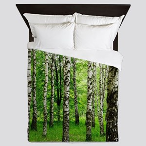 Forest view with birch trees spring su Queen Duvet