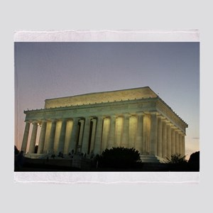 Lincoln Memorial at night Throw Blanket