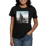 Grunge Wisconsin Flag Women's Dark T-Shirt