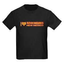 izialove-torc-nm Kids Dark T-Shirt