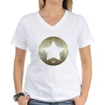 Distressed Vintage Star 3 Women's V-Neck T-Shirt