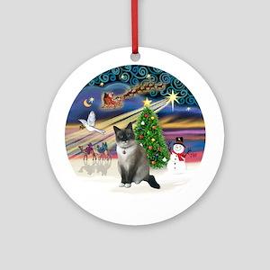 XmasMagic-Snow Shoe cat Ornament (Round)