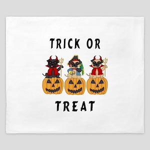 Halloween Trick or Treat Pugs King Duvet