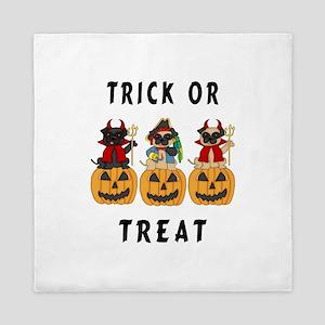 Halloween Trick or Treat Pugs Queen Duvet