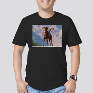 Lovable Chocolate Lab Men's Fitted T-Shirt (dark)