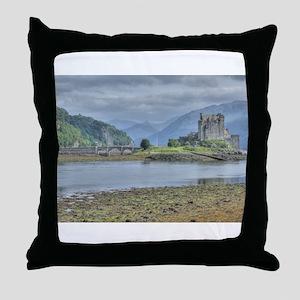 Eilean Donan Castle HDR 6059 , Scotland Throw Pill