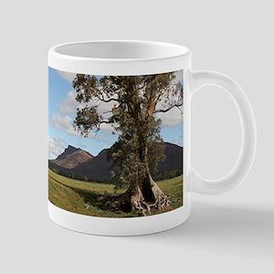 Gumtree & Wilpena Pound, Flinders Ranges Mug