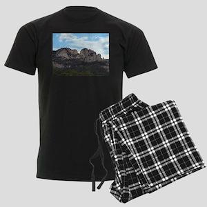 Seneca Rocks Men's Dark Pajamas