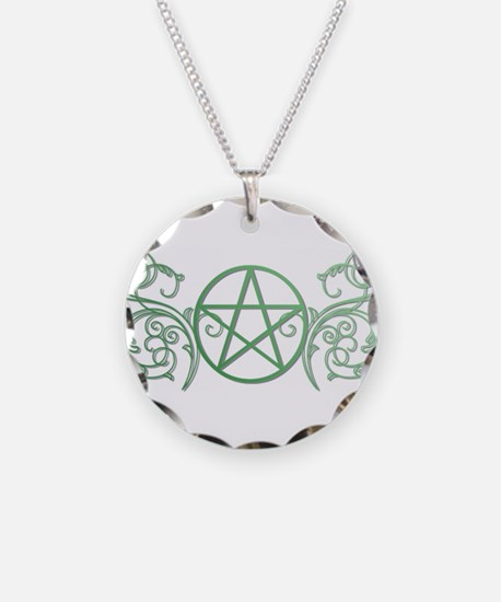 Pretty green pentacle Necklace