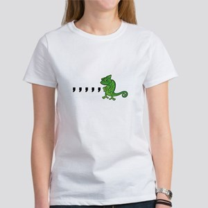 Comma Chameleon Women's T-Shirt