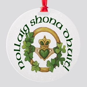 Christmas Claddagh Round Ornament