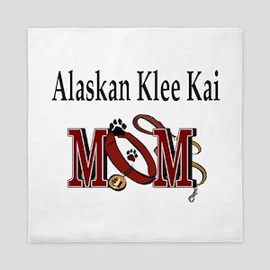 Alaskan Klee Kai Mom Queen Duvet