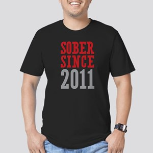 Sober Since 2011 Men's Fitted T-Shirt (dark)