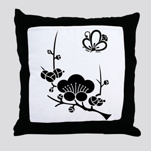 ume blossoms and butterfly Throw Pillow