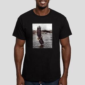 Striking Eagle Men's Fitted T-Shirt (dark)