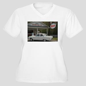 Esso Expresso Women's Plus Size V-Neck T-Shirt
