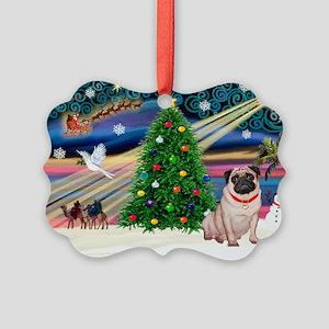 Xmas Magic/Pug (21F) Picture Ornament