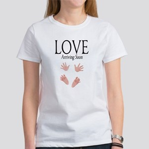 Love Arriving Soon Maternity Design 1 Women's T-Sh