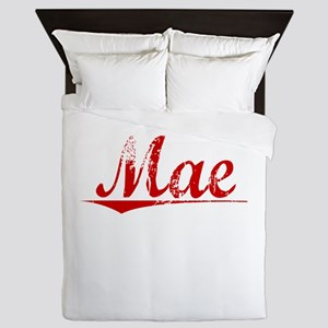 Mae, Vintage Red Queen Duvet