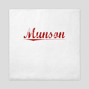 Munson, Vintage Red Queen Duvet