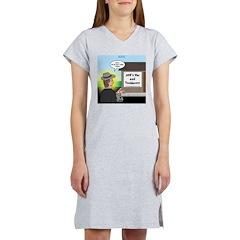 Vet Taxidermist Women's Nightshirt