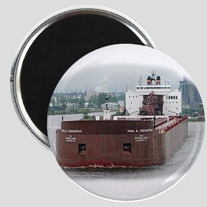 Paul R. Tregurtha departing Duluth Magnet
