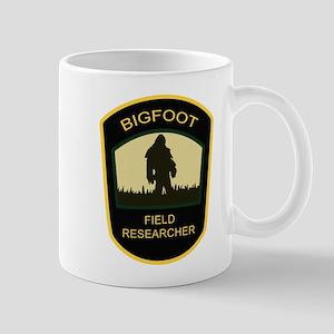 bigfoot-fr-white Mugs