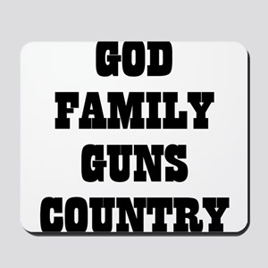 GOD FAMILY GUNS COUNTRY Mousepad