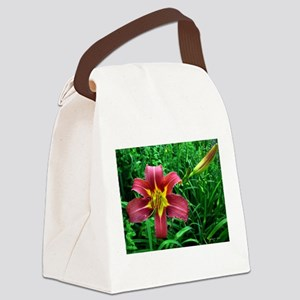 .red daylily. Canvas Lunch Bag