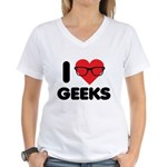 I Heart Geeks Women's V-Neck T-Shirt