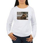 Lion in Snow Women's Long Sleeve T-Shirt