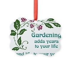 Gardening adds Years Ornament
