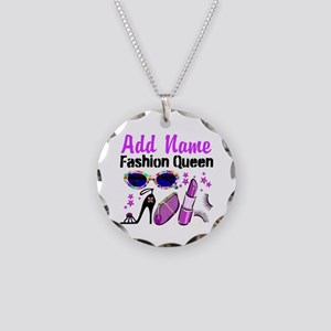 FASHION QUEEN Necklace Circle Charm